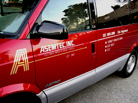 Asemtec red van angle side